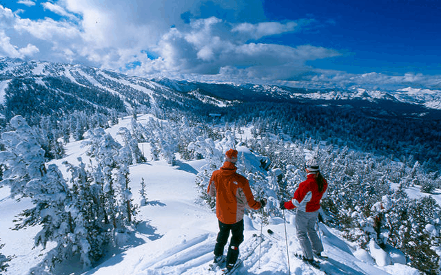 Top 10 Resorts for Experienced Skiers